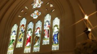 ステンドグラス 教会 聖壇